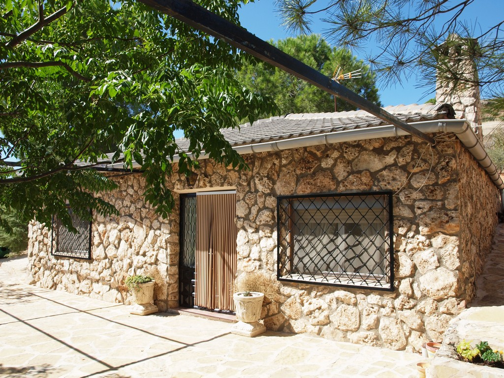 Casa rural en valverde de jucar cuenca balcon de san roque - Exteriores de casas rusticas ...